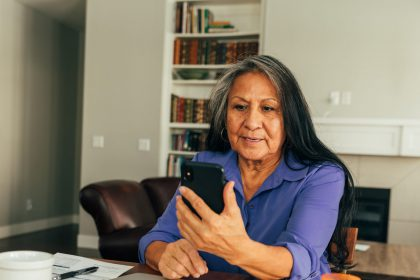 Cell phone scams: what do you need to look for?