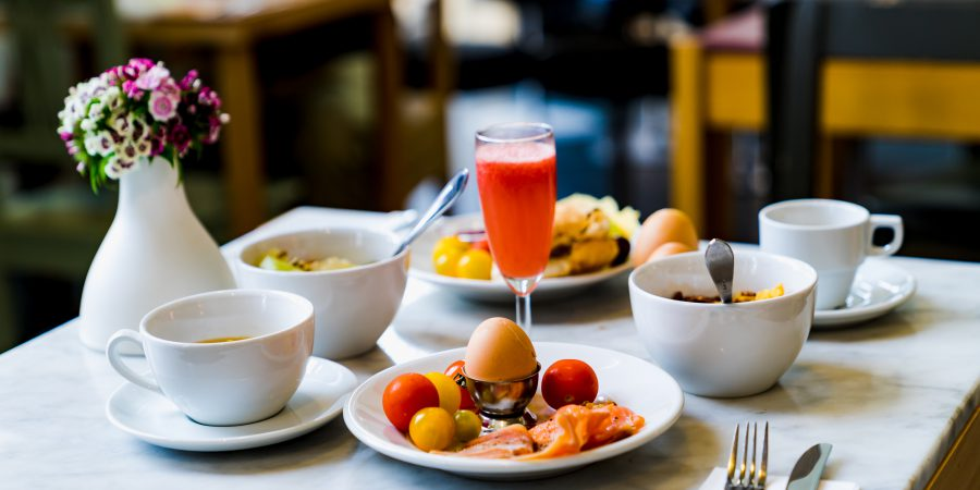 How to visit restaurants safely and considerately